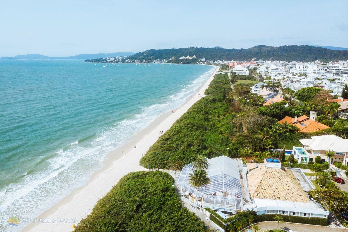 Réveillon: 5 praias brasileiras para comemorar o Ano Novo