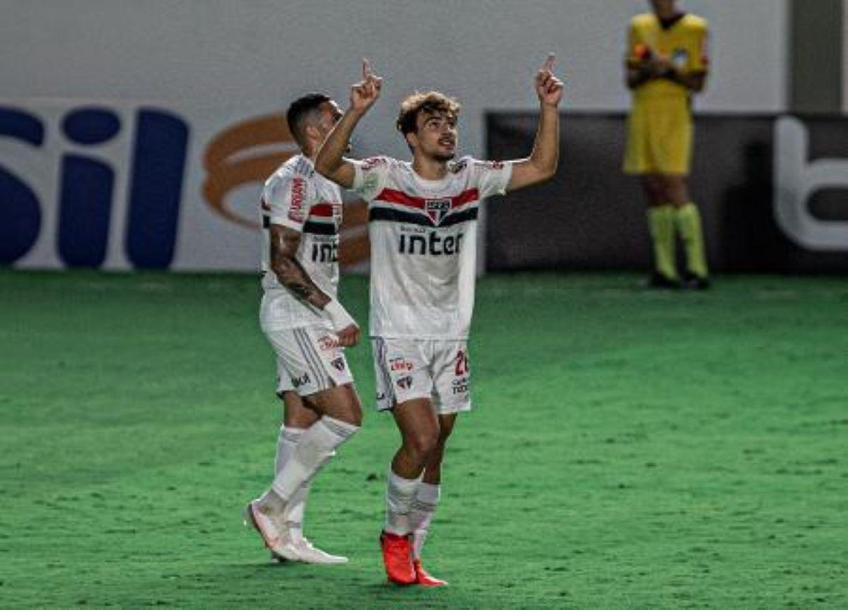 São Paulo é o novo líder do Campeonato Brasileiro