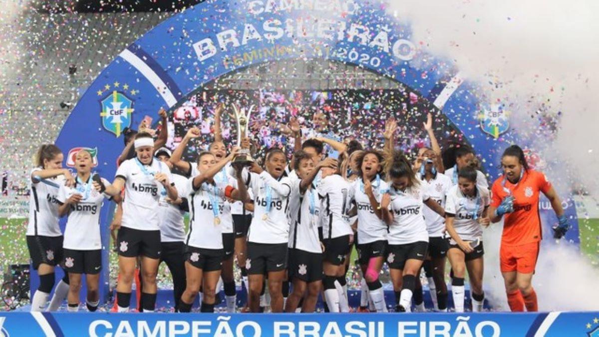 A hegemonia corintiana no futebol feminino