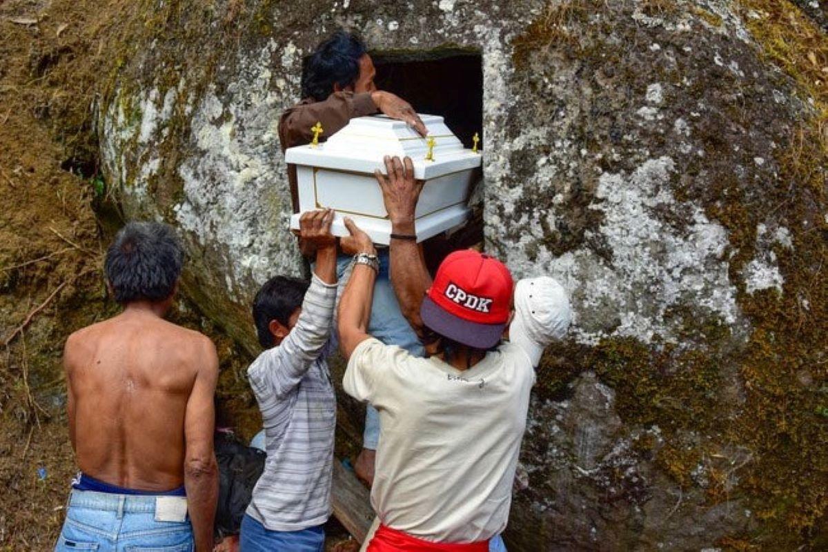 Festival Ma'nene: conheça a cerimônia que desenterra cadáveres