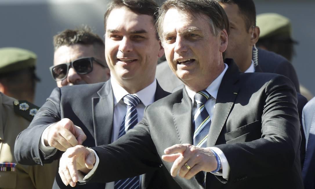 A Abin produziu relatórios para a defesa de Flávio Bolsonaro, filho do atual Presidente Jair Bolsonaro.