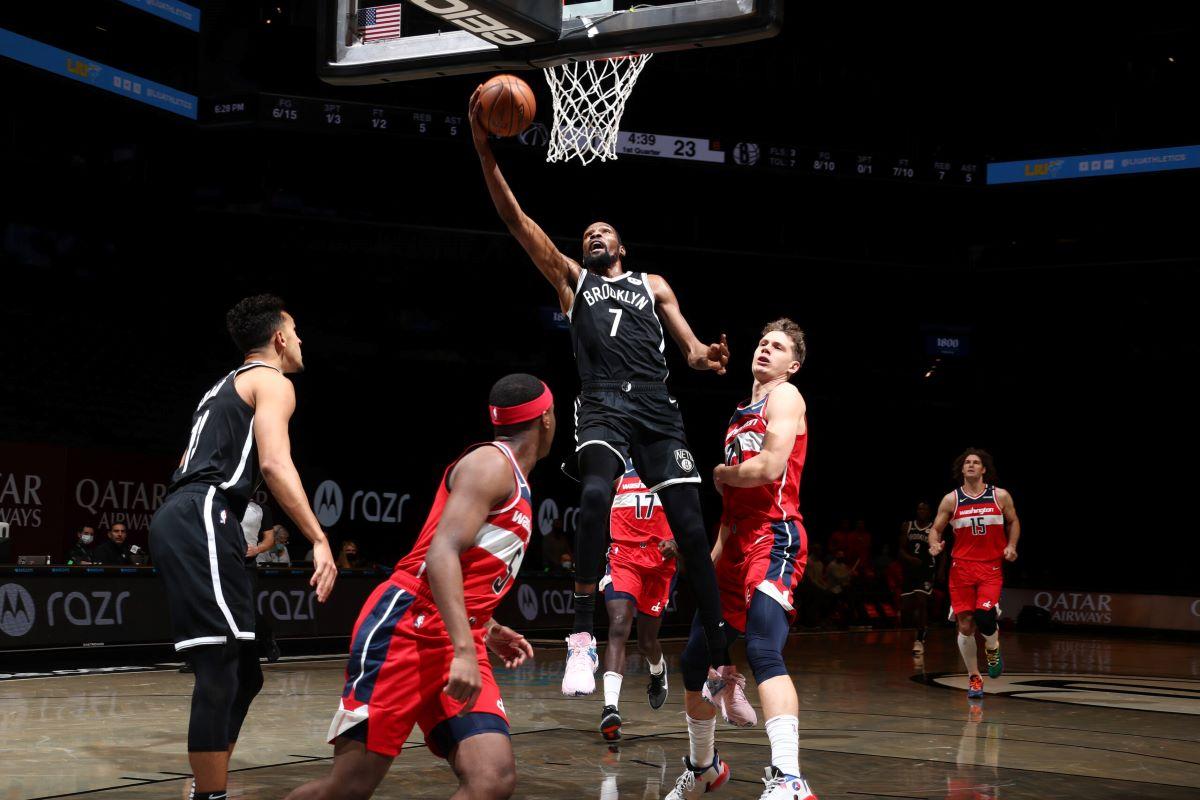 Kevin Durant volta à NBA depois de 552 dias de lesão