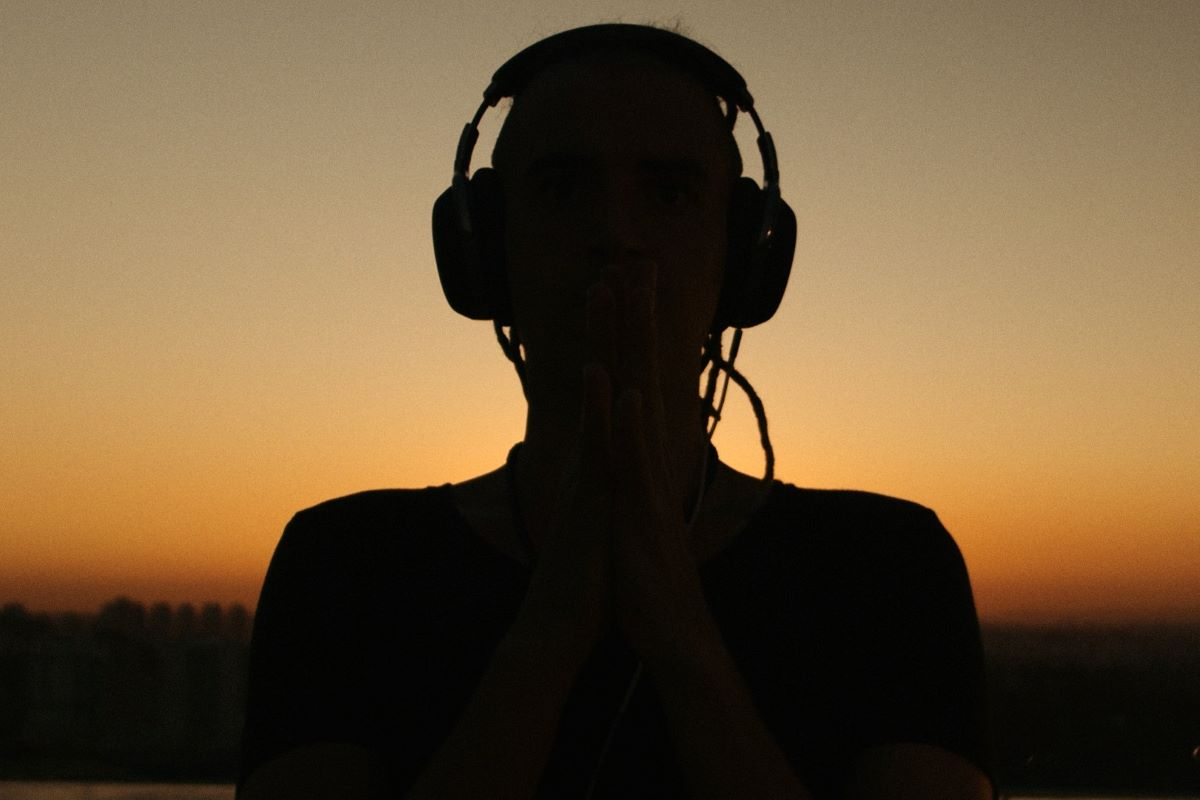 "Dre Guazzelli lança ""You Are My Fire"", pela Never Stop Dreaming"