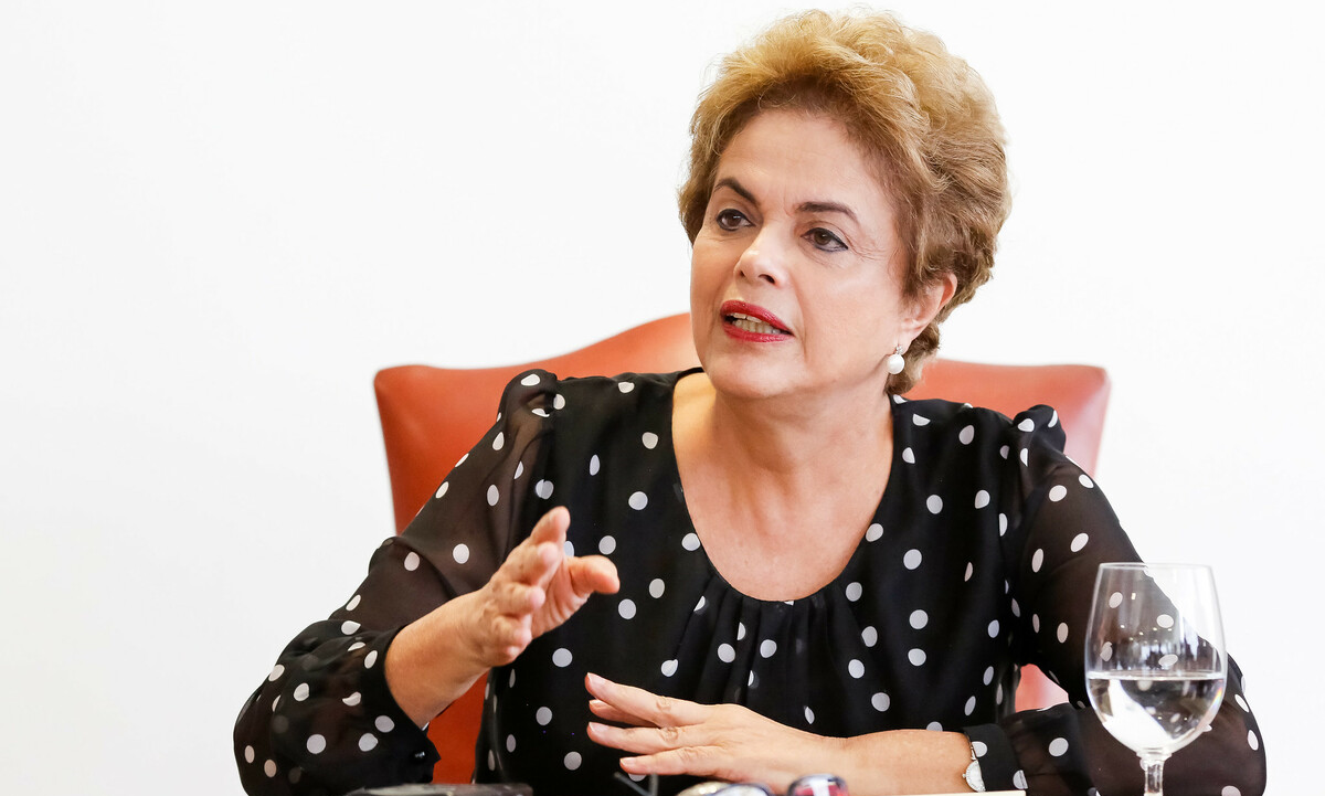 Jair Bolsonaro ironizou, nesta segunda-feira (28), tortura sofrida por Dilma Rousseff na década de 70.