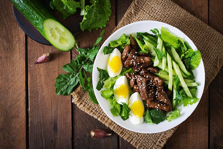 A dieta Dukan permite a ingestão de 100 tipos de alimentos.