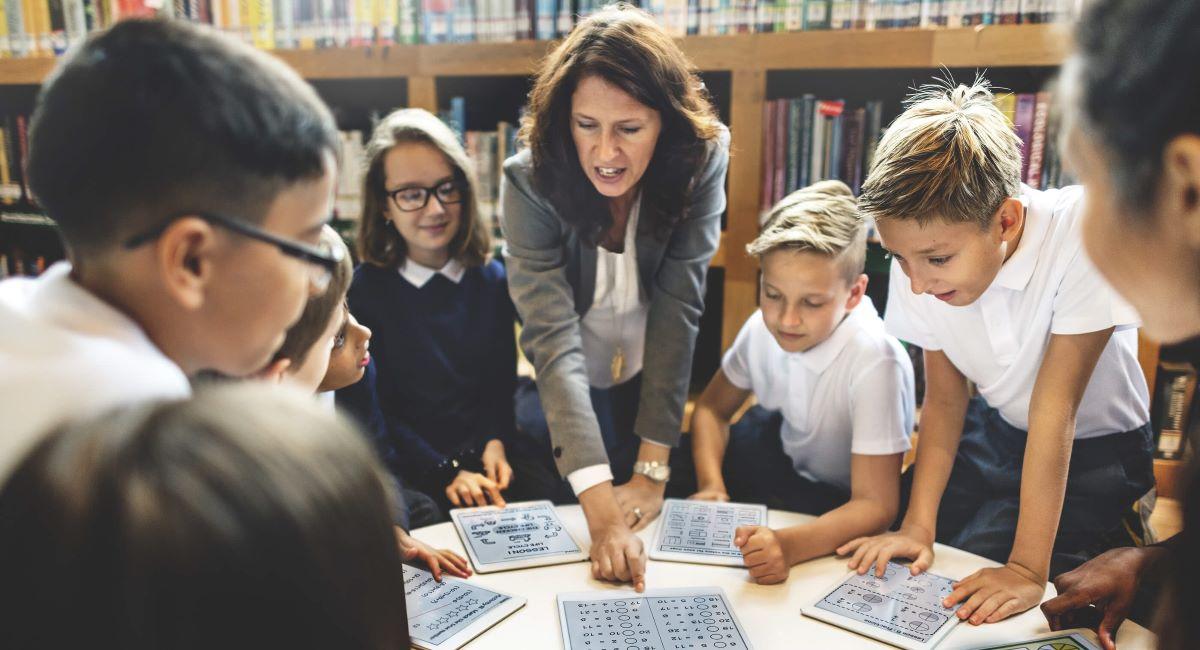 Falta de acompanhamento psicológico nas escolas prejudica a educação