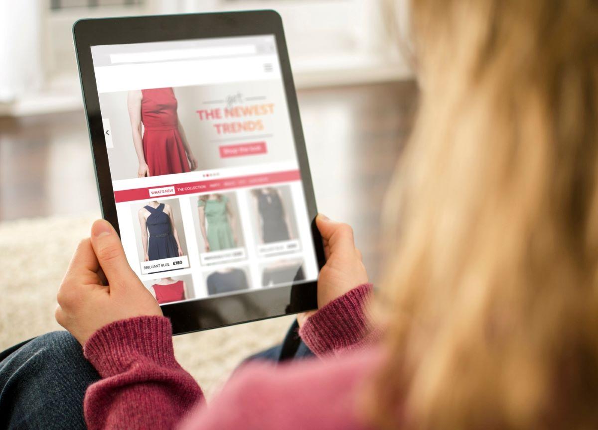 5 passos para acertar ao comprar roupas pela Internet