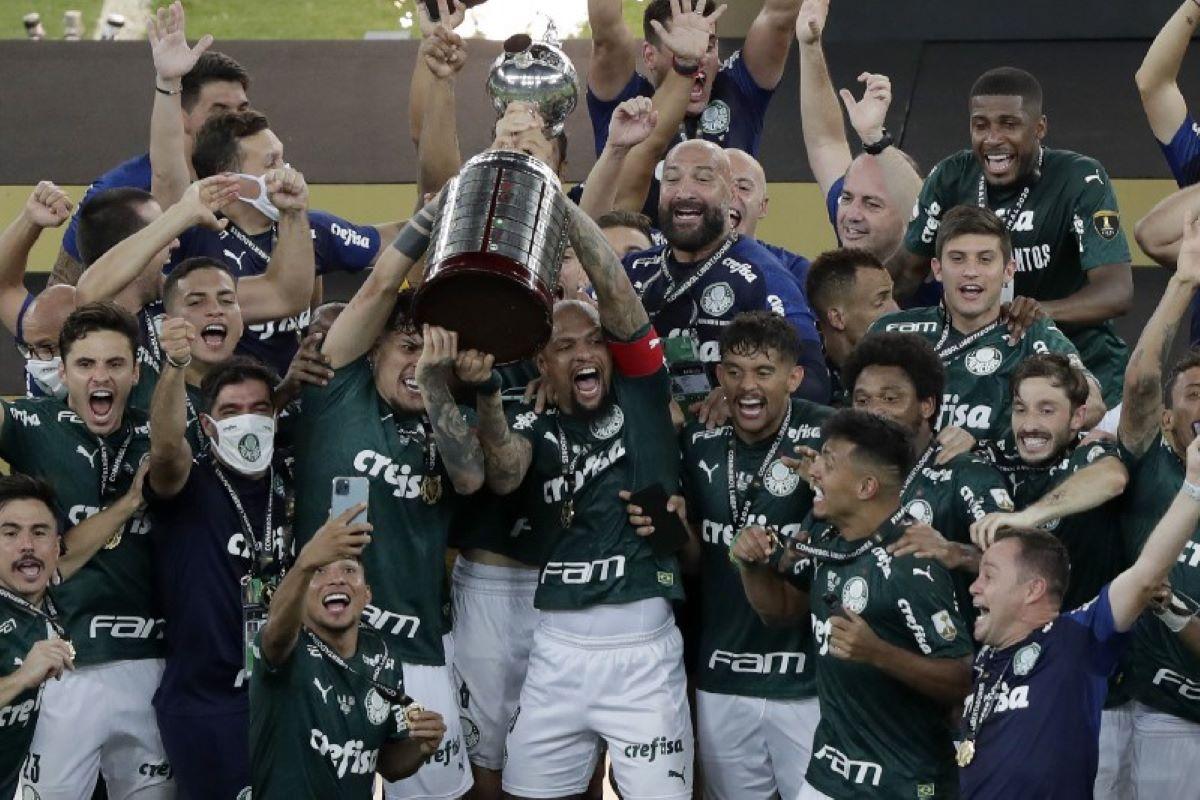 Palmeiras volta a ser campeão da Libertadores após mais de 20 anos