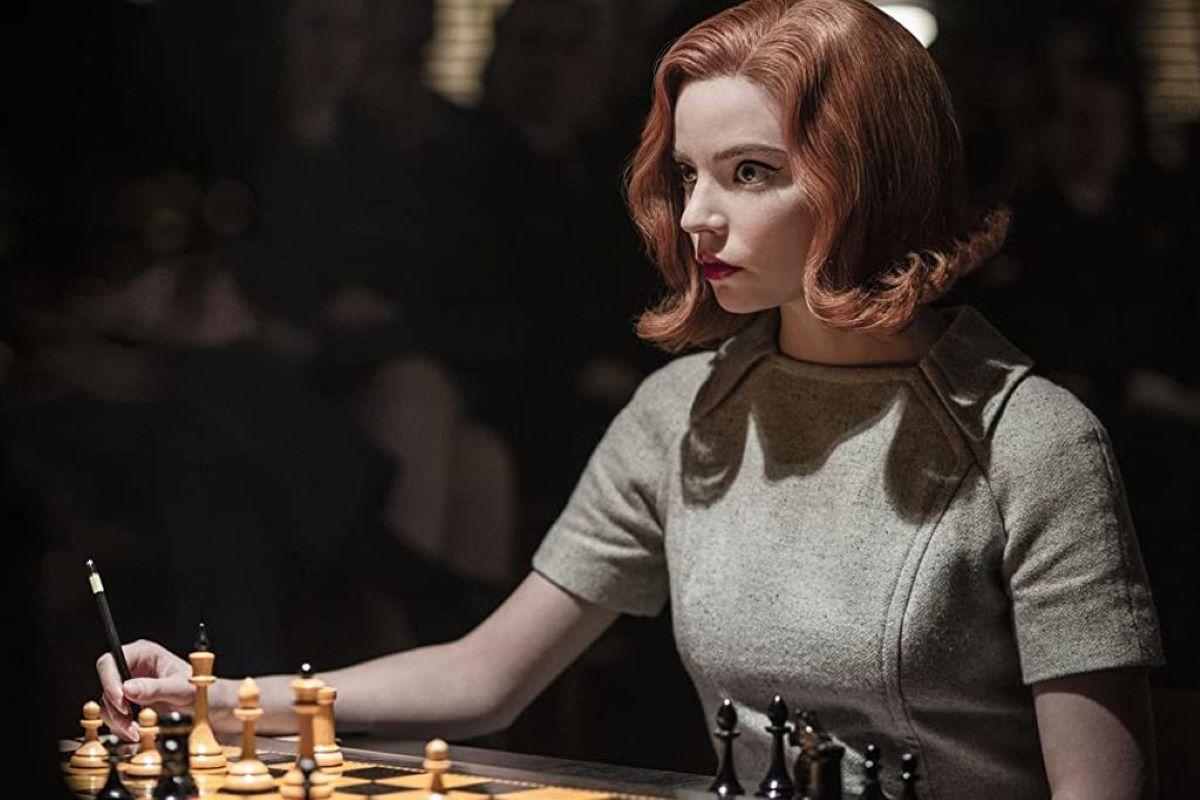 O Gambito da Rainha é um verdadeiro jogo de tabuleiro: leia a crítica