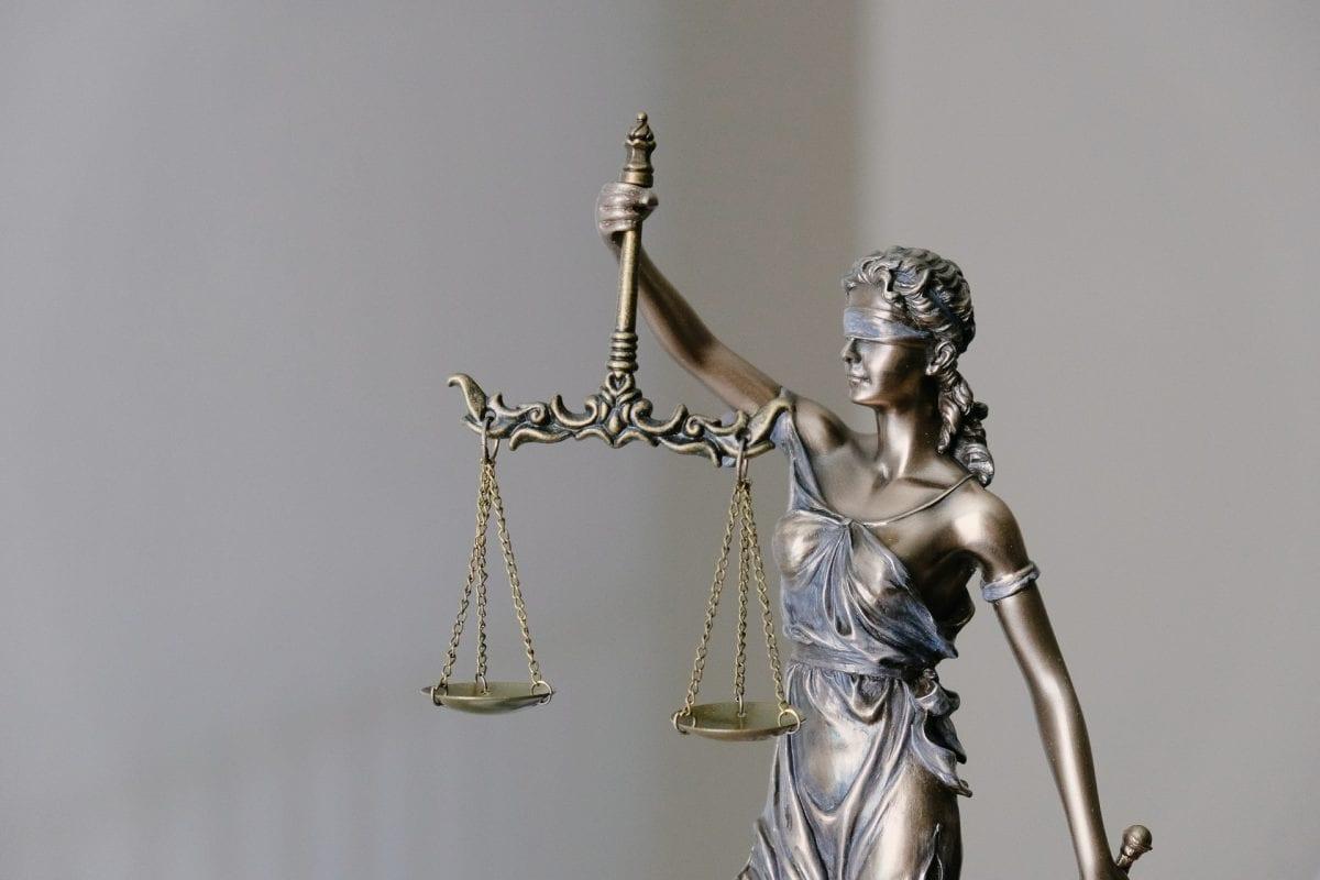 Justiça e Direito