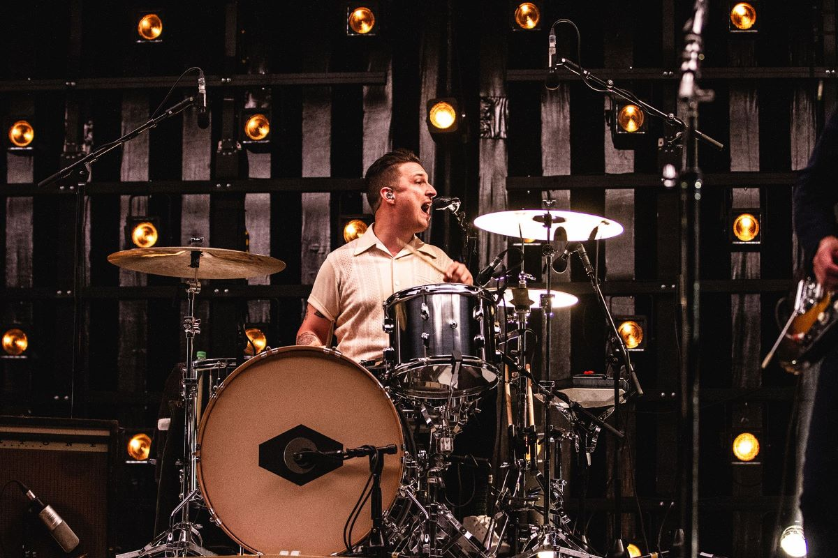 Novo álbum de Arctic Monkeys está sendo produzido; confira