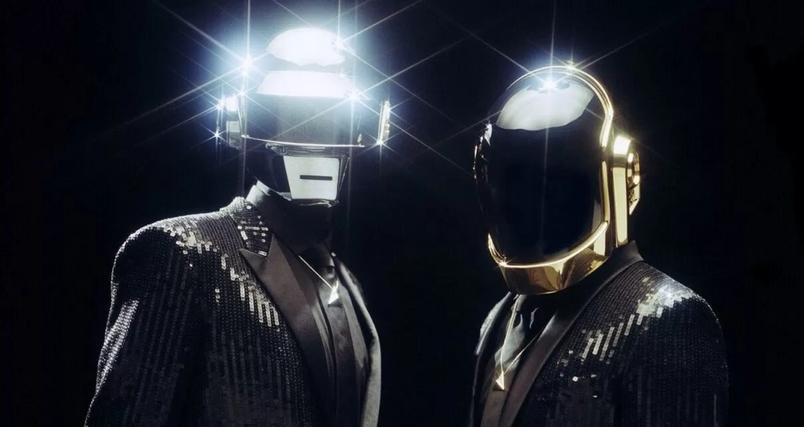 A dupla francesa Daft Punk anuncia o fim de sua carreira musical.