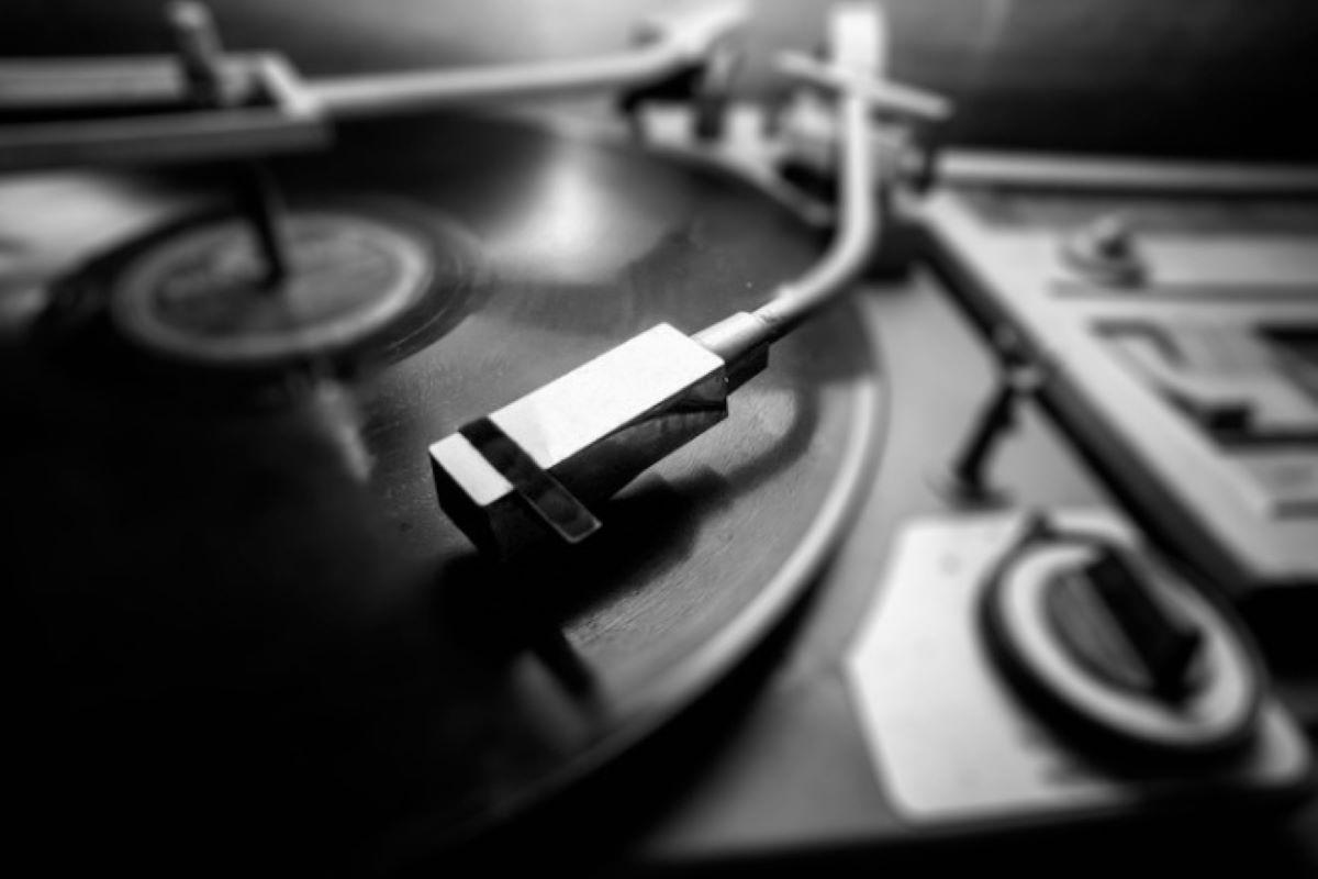 Confira 5 músicas brasileiras que marcaram a década de 70