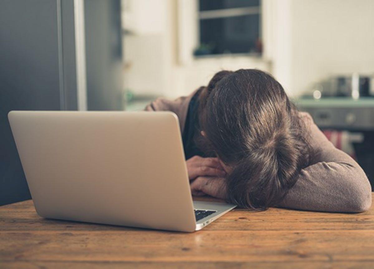 Como as redes sociais influenciam no desenvolvimento da depressão?