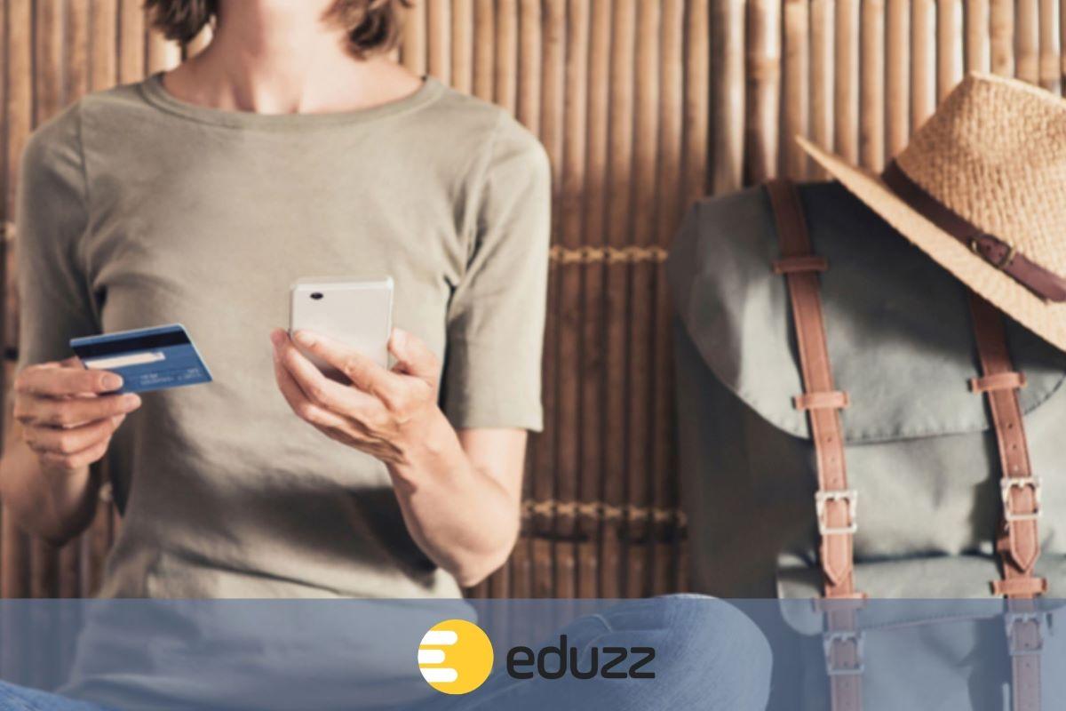 Como fazer compras na Eduzz fora do Brasil com cartão de crédito internacional
