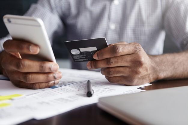 Eduzz disponibiliza cursos de capacitação em até 12 vezes no cartão de crédito.