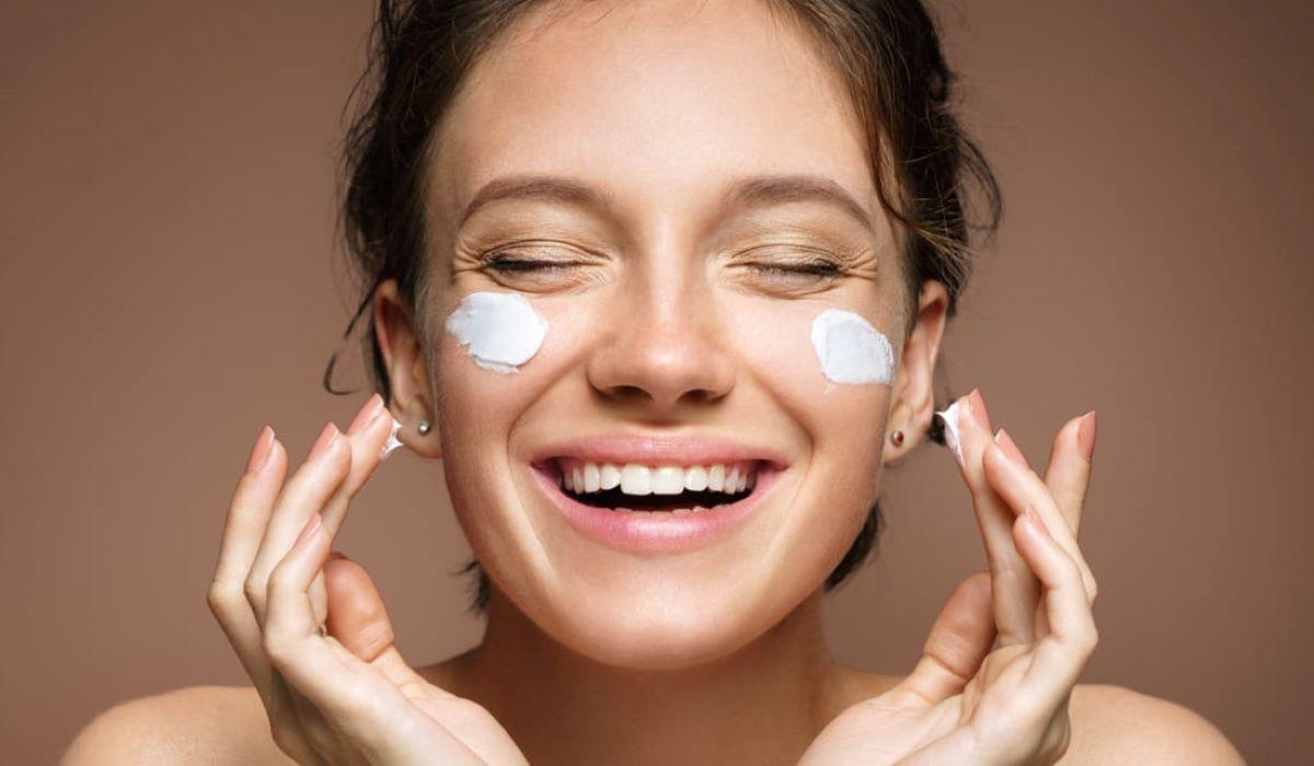 Confira cinco cuidados que se deve ter ao usar maquiagem