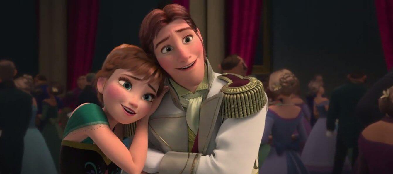 Hans pede Anna em casamento durante a coroação de Elsa.