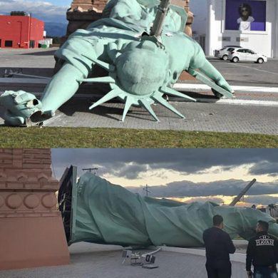 Veja a queda da estátua na loja da Havan