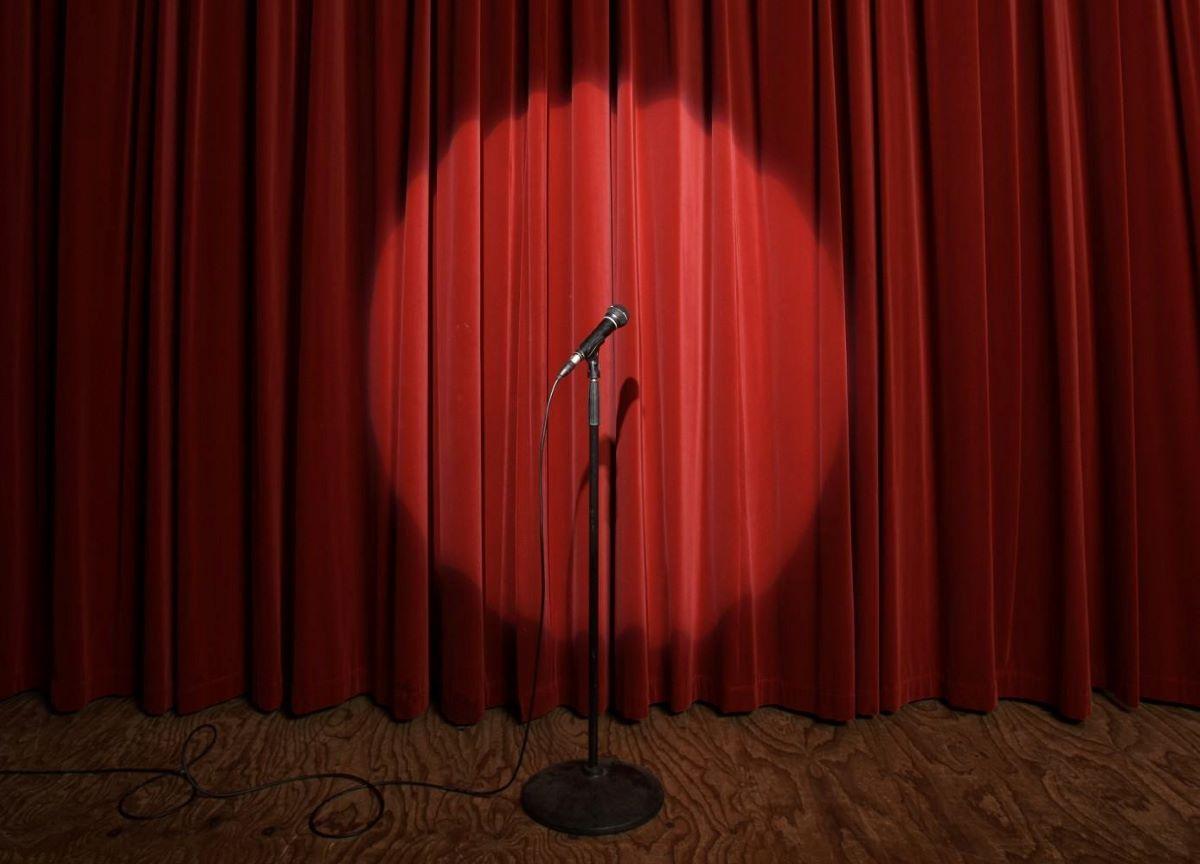 Stand Up Comedy: Saiba de onde veio e como funciona