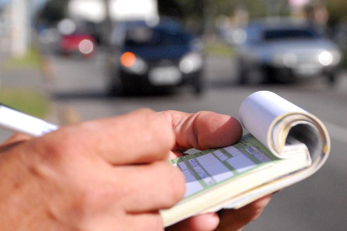 Trânsito: conheça o modelo de recurso de multa on-line