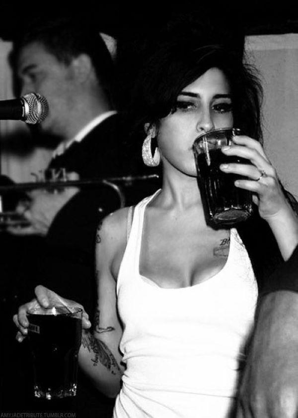 Amy Winehouse bebida