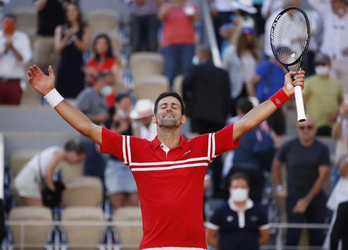 Roland Garros: Djokovic e Krejcikova conquistam títulos individuais
