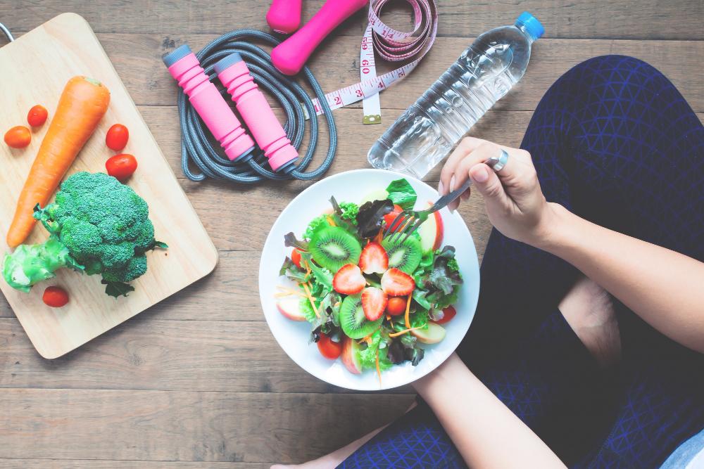 Para emagrecer rápido e com saúde não é preciso realizar dietas restritivas.