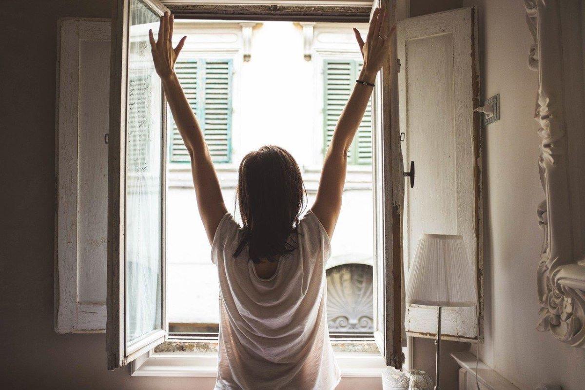 Quais os benefícios de acordar cedo para a sua rotina