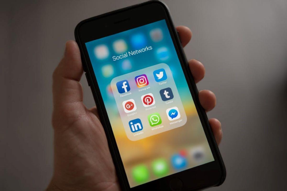 Opinião – redes sociais e saúde mental: aliadas ou inimigas?
