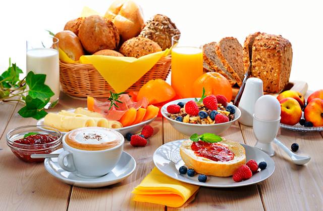 Alimentos saudáveis em refeições como o café da tarde podem ajudar a emagrecer.