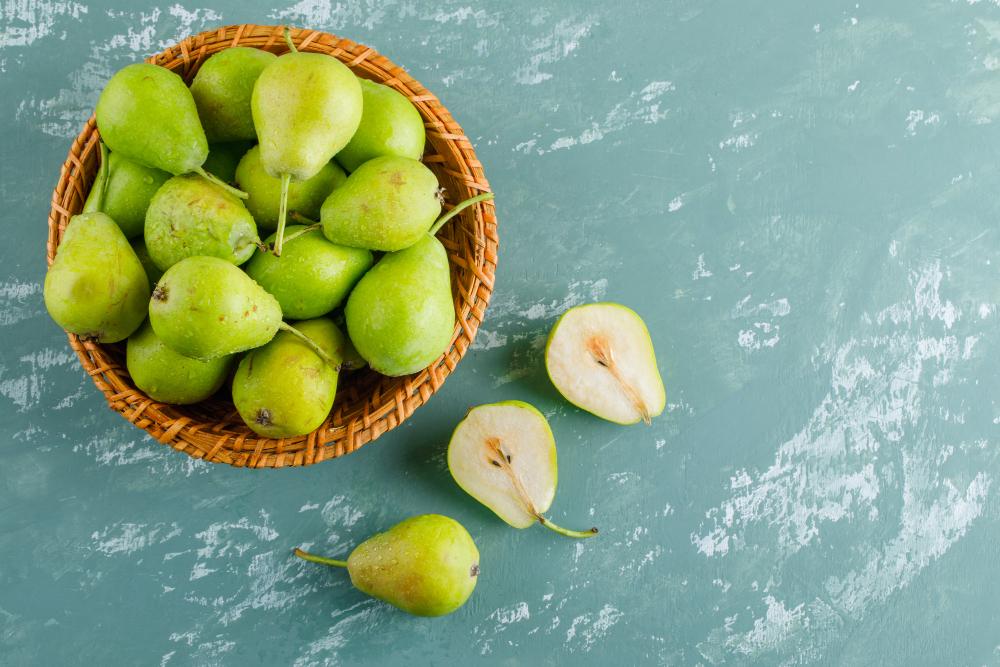 As peras são ótimas frutas para serem consumidas no café da tarde.