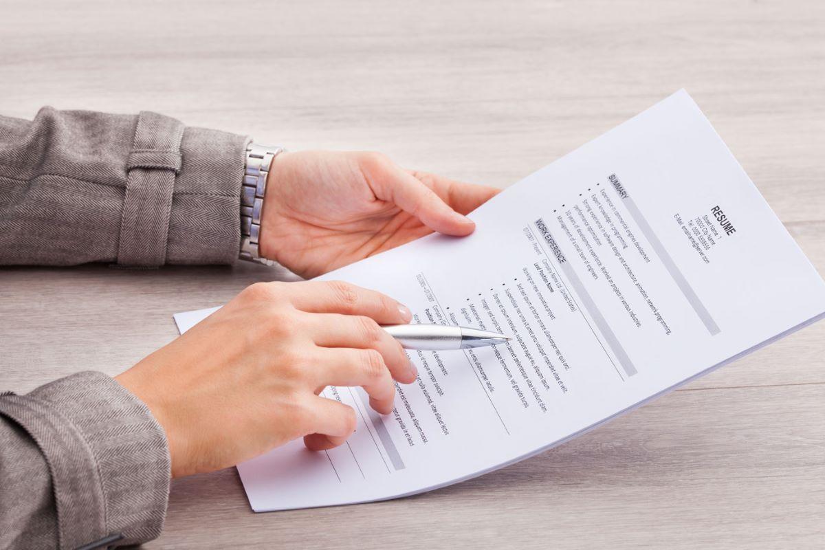 Currículo: 10 dicas para se destacar no mercado de trabalho