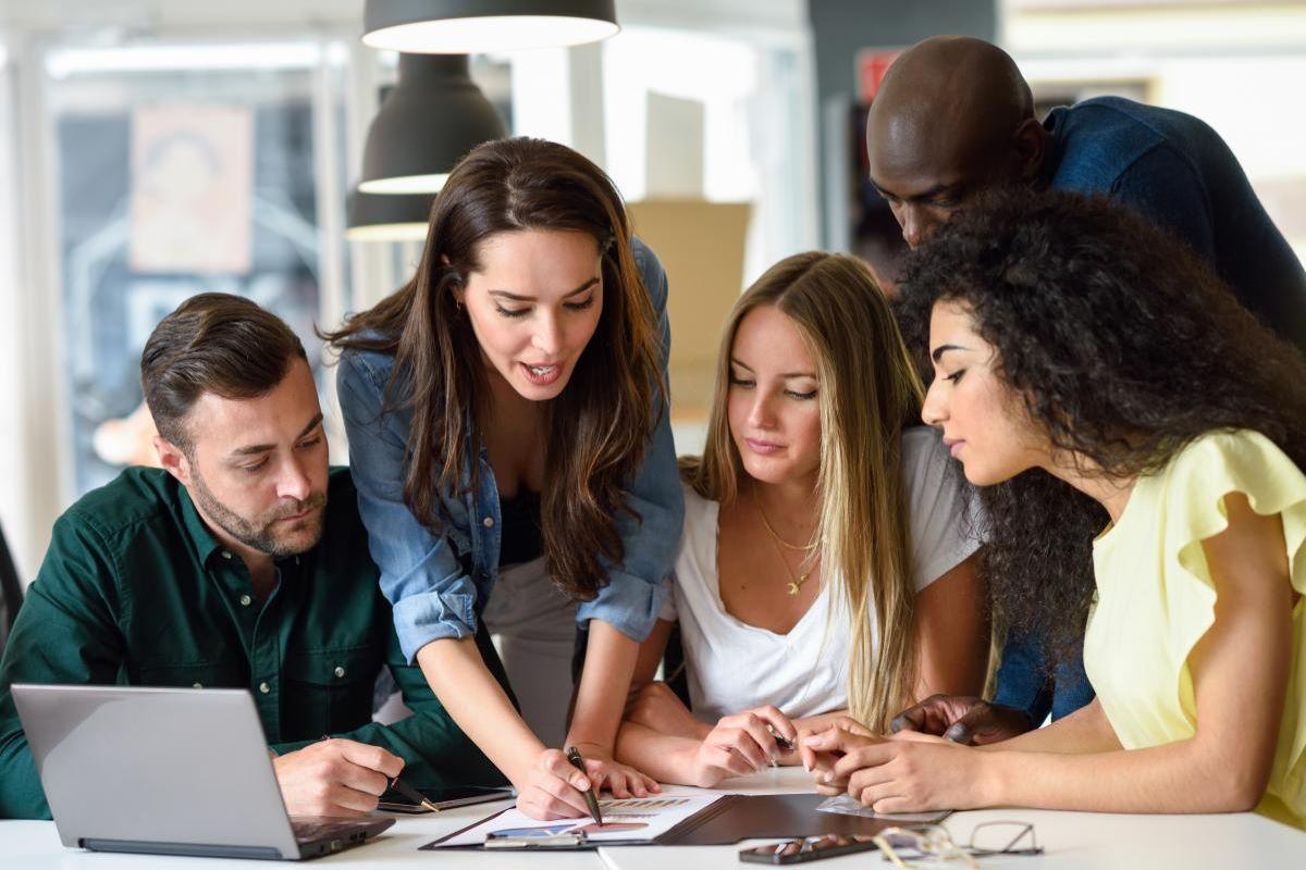 Monitoria: o que é e quais são os benefícios para o universitário
