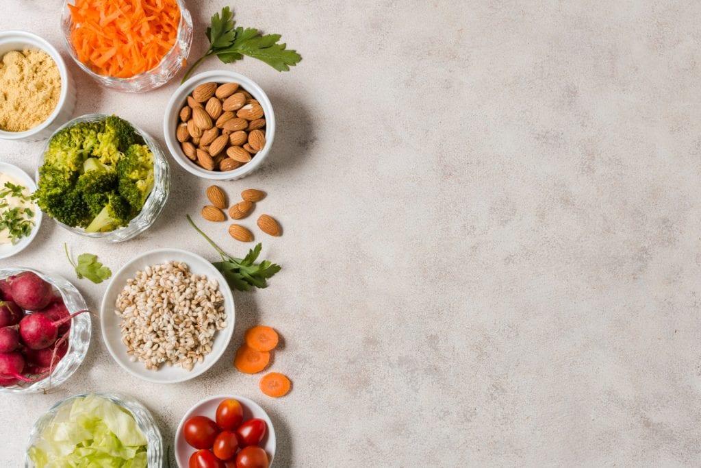 Dietas ricas em fibras e com poucas calorias estão entre as 6 dietas para emagrecer mais de 10kg.
