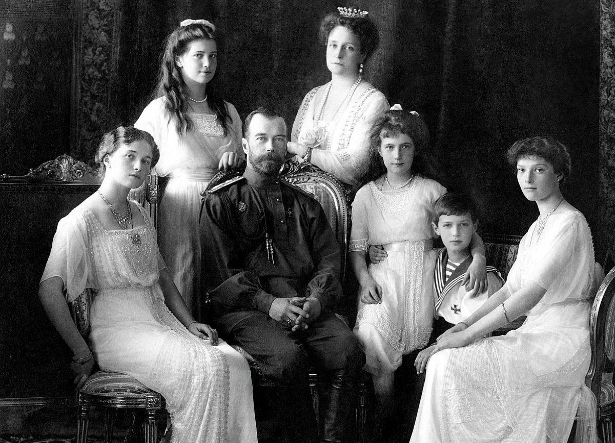 Romanov: conheça cinco fatos sobre a família real russa