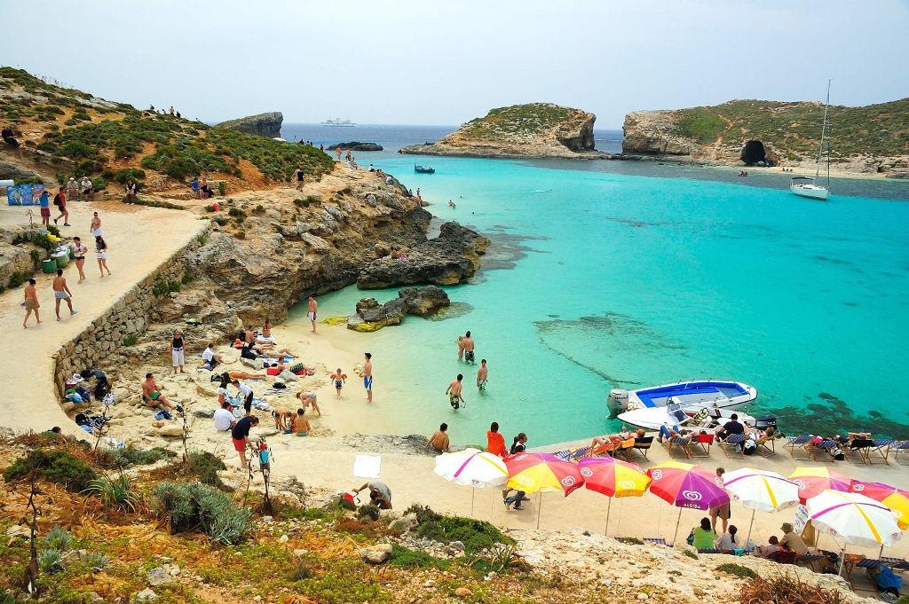 Uma das pequenas praias da ilha de Malta