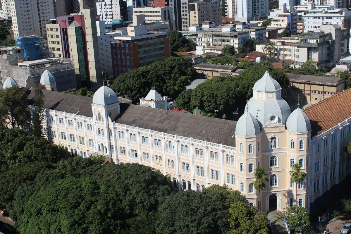 Faculdade Arnaldo tem desconto para 34 cursos em várias modalidades