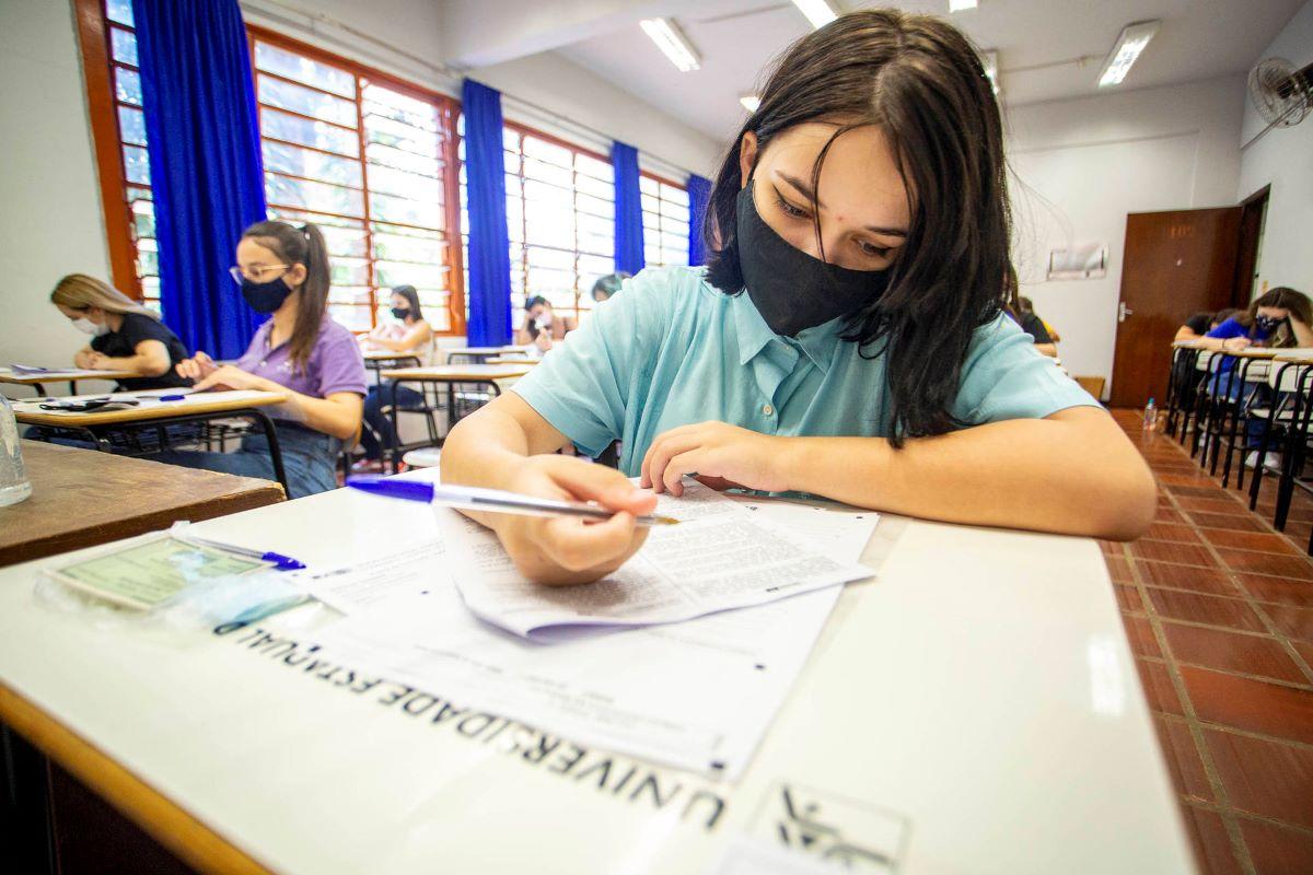 Pandemia afeta entrada de jovens em universidades, entenda!