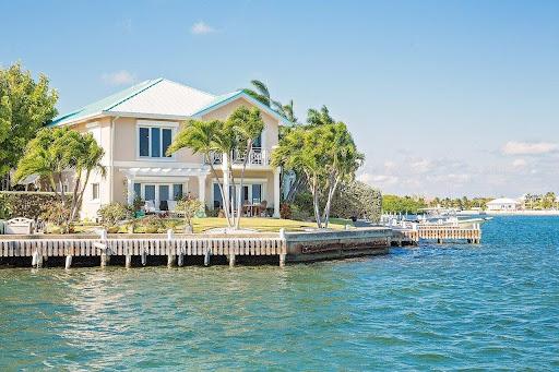 As Ilhas Cayman estão, constantemente, nos noticiários.