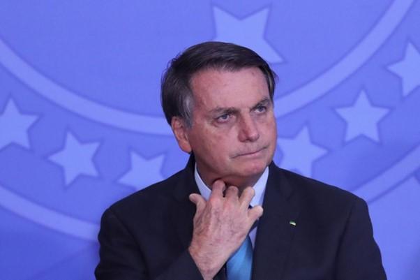 Bolsonaro prometeu muito durante sua campanha, porém, foi contraditório com suas promessas em seu mandato.
