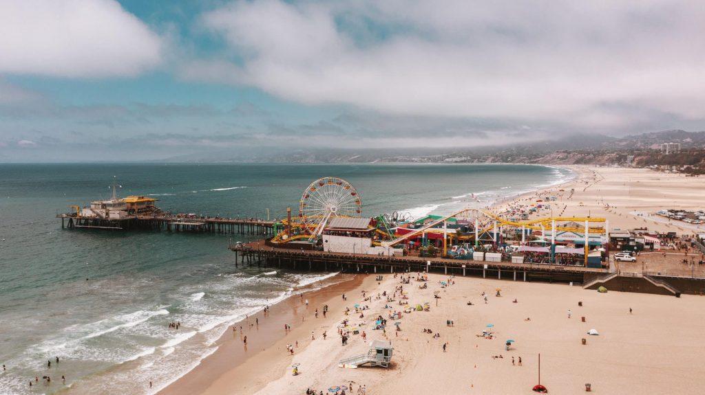 Vista aérea do Santa Monica Pier.