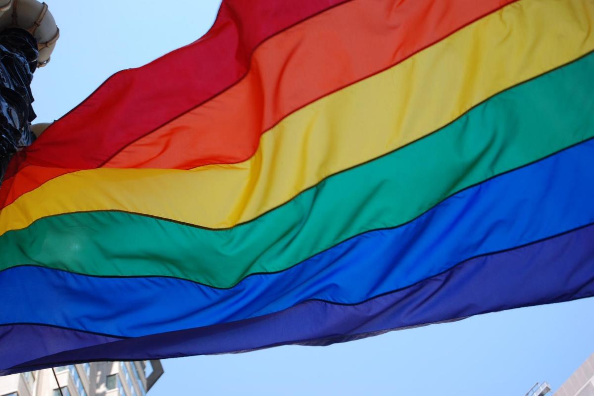 Qual a importância de representatividade LGBTQIA+ na política?