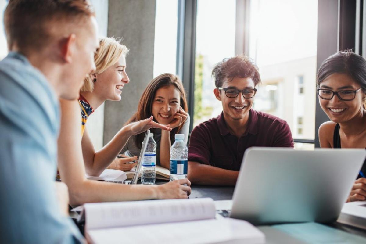 Como o empreendedorismo pode se relacionar com a vida universitária?