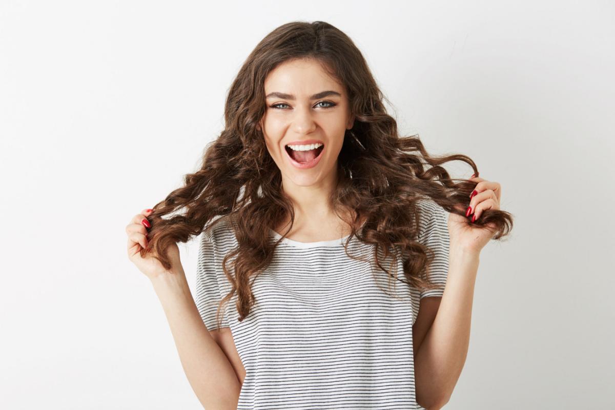 5 alimentos que ajudam o cabelo a crescer bonito e saudável