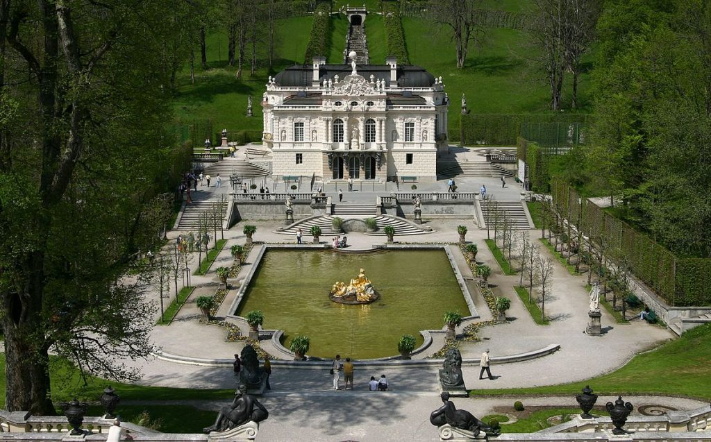 Linderhof é um dos palácios mais conhecidos do país.