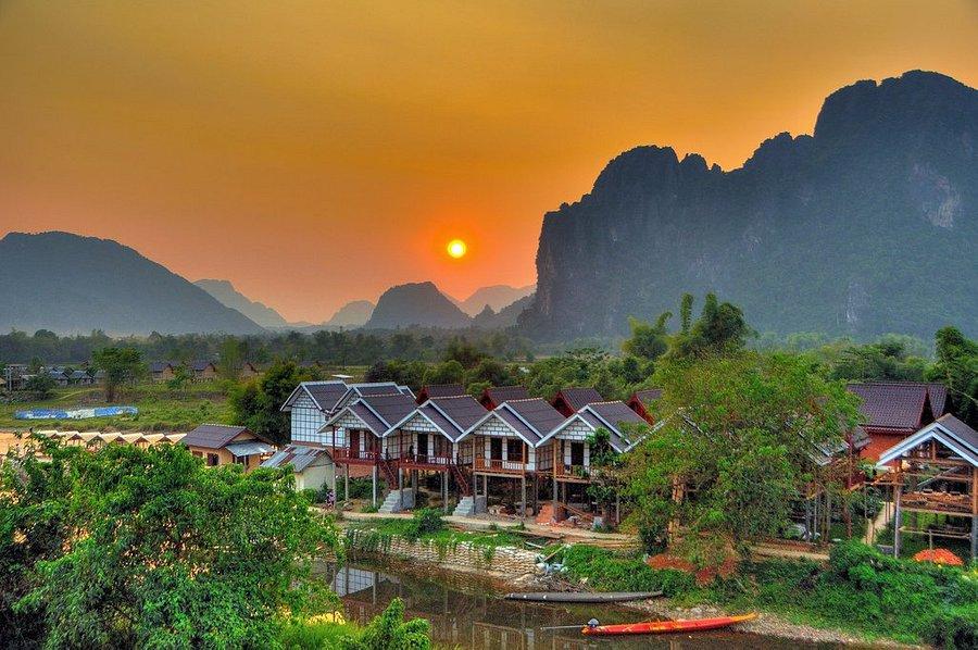 A cidade rural possui uma das paisagens mais bonitas do Laos.