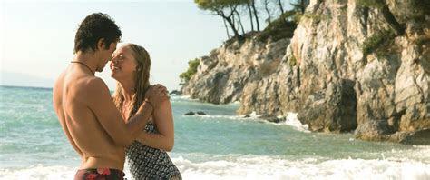 Sophie e Sky na Praia de Kastani.