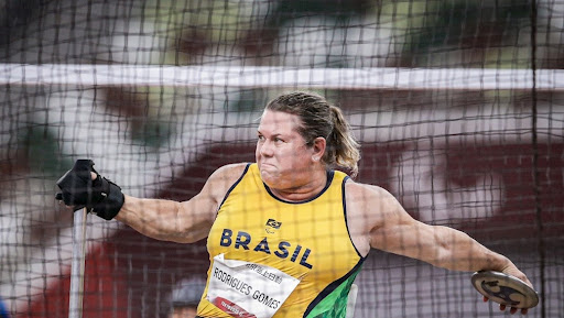 Beth Gomes quebrou seus próprios recordes nas Paralimpíadas de 2021.