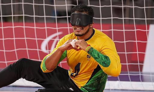 Leomon garantiu a medalha de ouro no goalball.